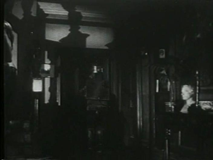 Vampire Over London 17